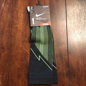 Nike High Level Compression Running Socks. Size 1